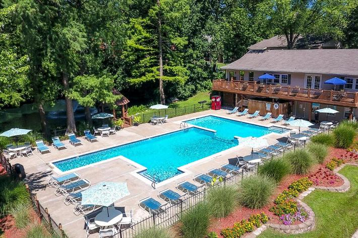 Park Forest Apartments in Affton, MO - Swimming Pool 04.jpg