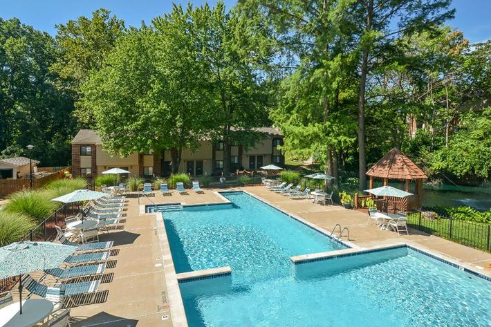 Park Forest Apartments in Affton, MO - Swimming Pool 10.jpg