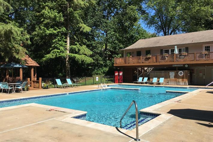 Park Forest Apartments in St. Louis, MO - Swimming Pool 05.jpg