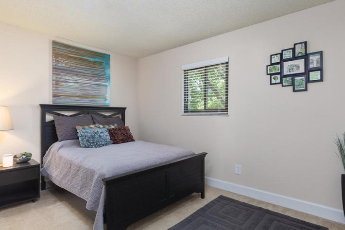 Park Forest Apartments and Townhomes in St. Louis, MO - Interior 08.jpg
