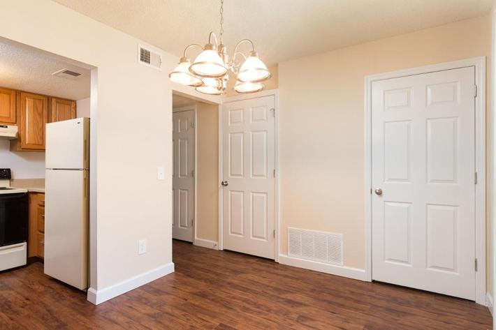 Park Forest Apartments and Townhomes in St. Louis, MO - Interior 22.jpg