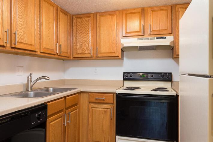 Park Forest Apartments and Townhomes in St. Louis, MO - Interior 23.jpg