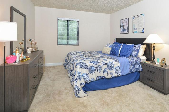 Park Forest Apartments in Affton, MO - Interior 04.jpg