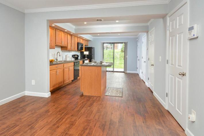 Park Forest Apartments in Affton, MO - Interior 09.jpg