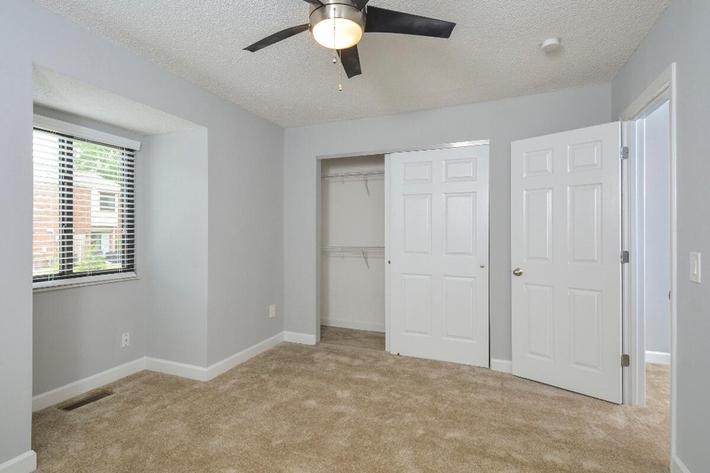 Park Forest Apartments in Affton, MO - Interior 10.jpg