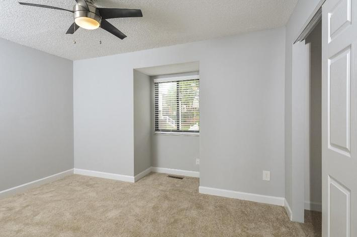 Park Forest Apartments in Affton, MO - Interior 11.jpg