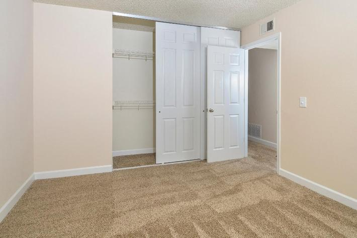 Park Forest Apartments in Affton, MO - Interior 20.jpg