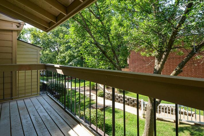 Park Forest Apartments in Affton, MO - Interior 25.jpg