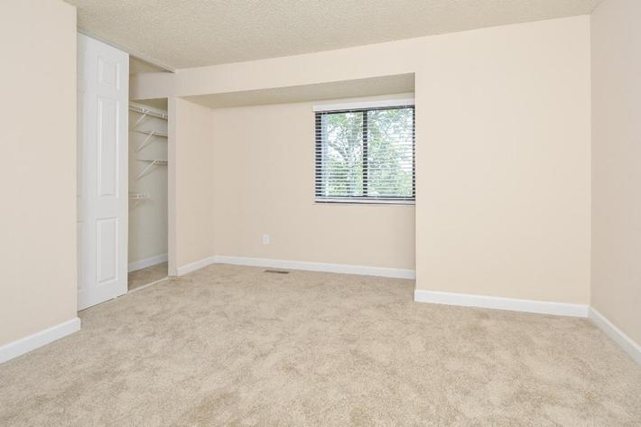 Park Forest Apartments in Affton, MO - Interior 31.jpg