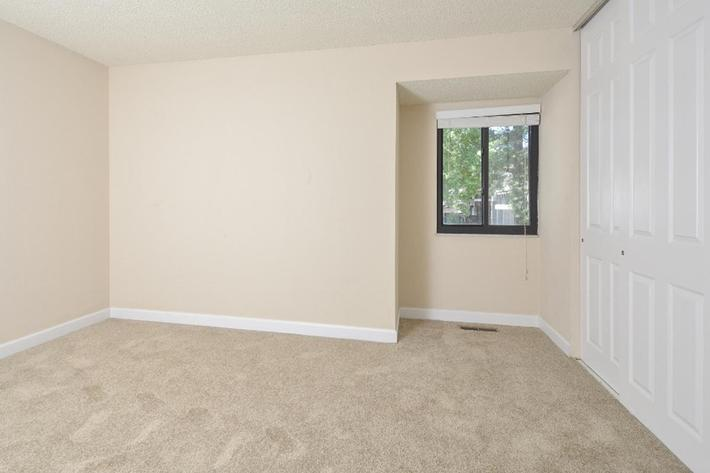 Park Forest Apartments in Affton, MO - Interior 32.jpg