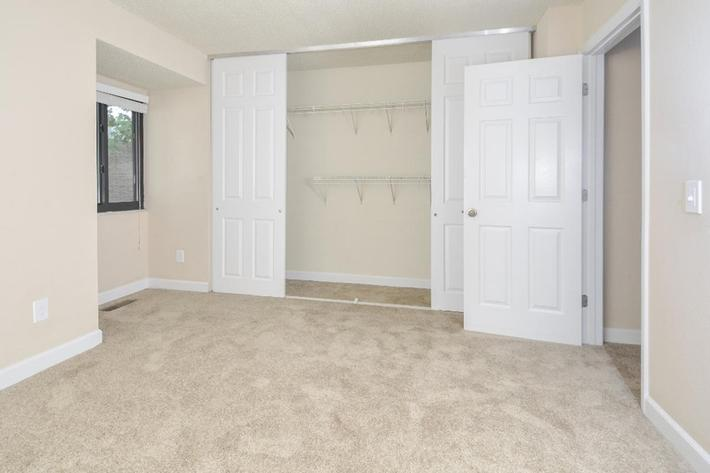 Park Forest Apartments in Affton, MO - Interior 33.jpg