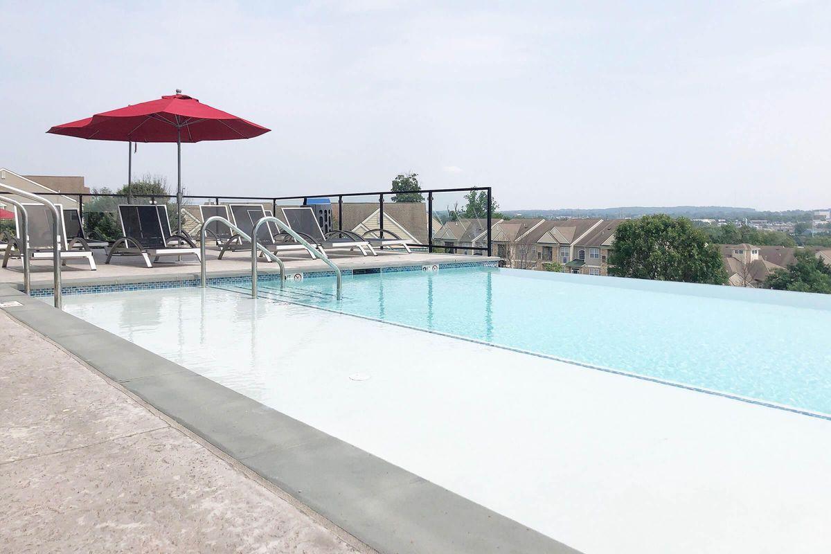 Luxor Pool.jpg