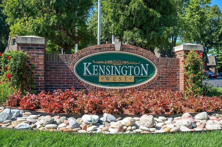 Kensington West Apartments in Ballwin, MO - Exterior 01.jpg