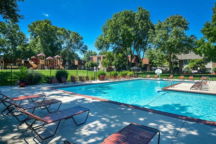 Kensington West Apartments in Ballwin, MO - Swimming Pool 02.jpg