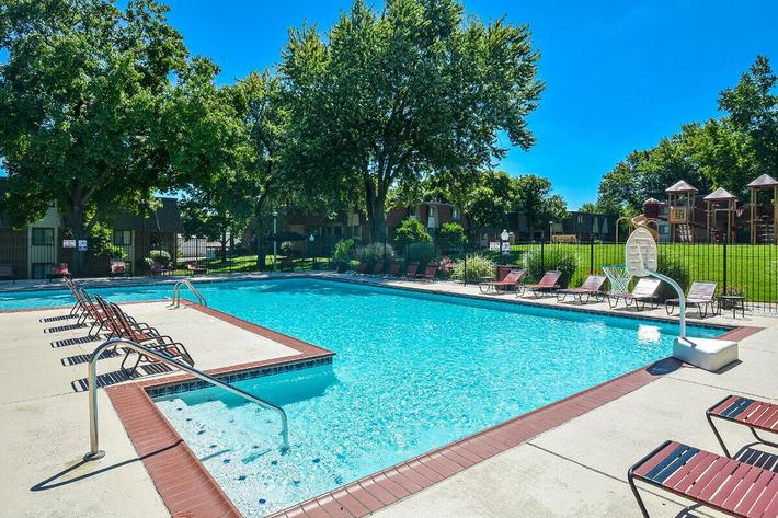Kensington West Apartments in Ballwin, MO - Swimming Pool 03.jpg