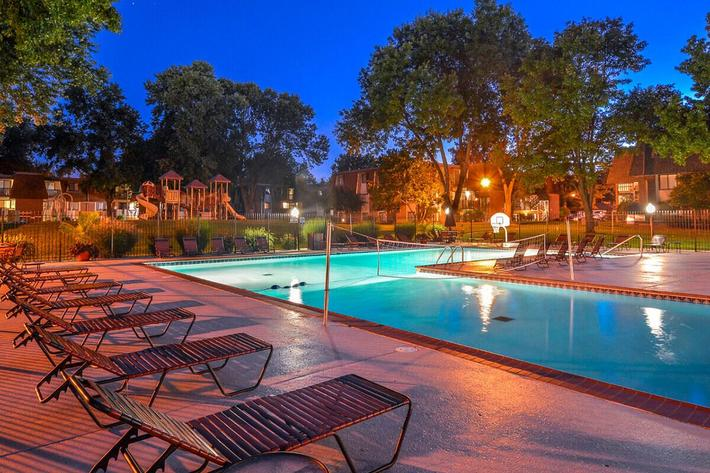 Kensington West Apartments in Ballwin, MO - Swimming Pool 13.jpg
