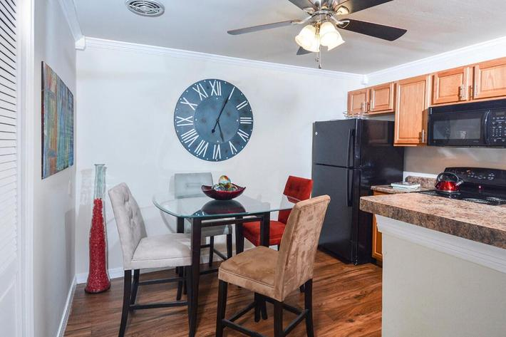 Kensington West Apartments in Ballwin, MO - Interior 02.jpg