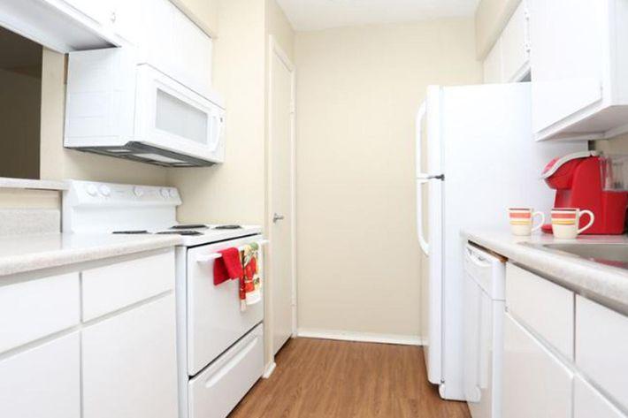 MC Kitchen 3.jpg