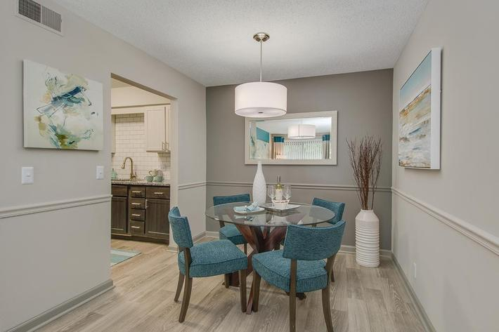 The McLemore's chic  dining room