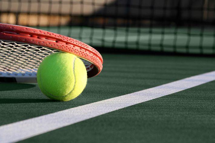 Tennis-Court-105945770.jpg