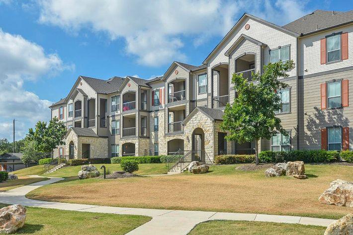 Boulder Creek Apartments in San Antonio, TX - Exterior 15.jpg