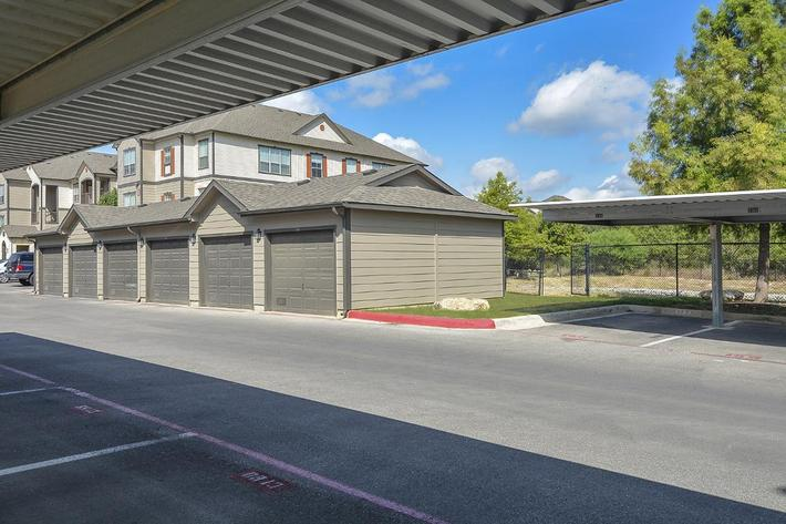 Boulder Creek Apartments in San Antonio, TX - Exterior 20.jpg