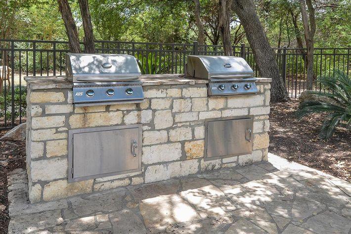 Boulder Creek Apartments in San Antonio, TX - Picnic-BBQ Area 03.jpg