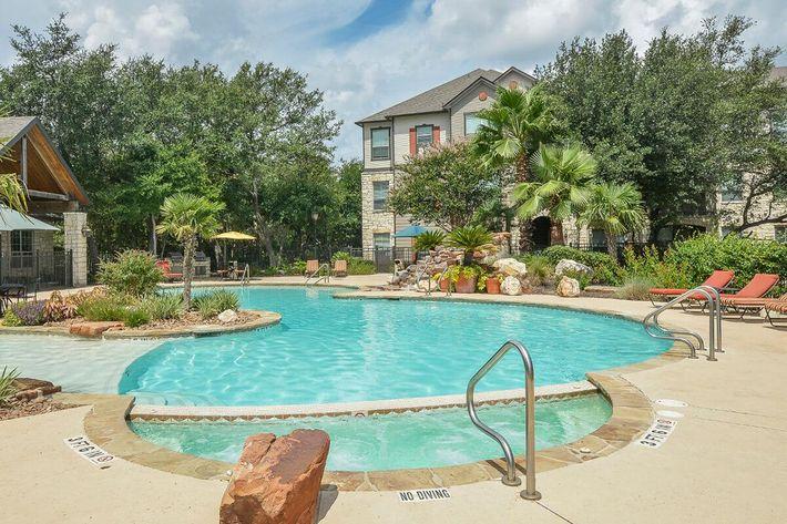 Boulder Creek Apartments in San Antonio, TX - Swimming Pool 03.jpg