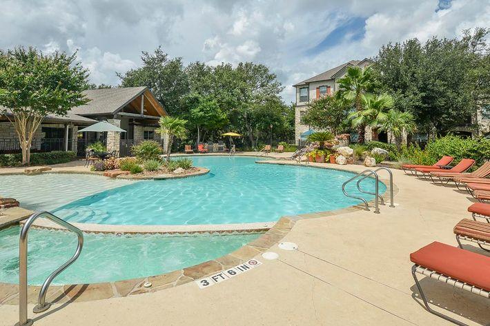 Boulder Creek Apartments in San Antonio, TX - Swimming Pool 04.jpg