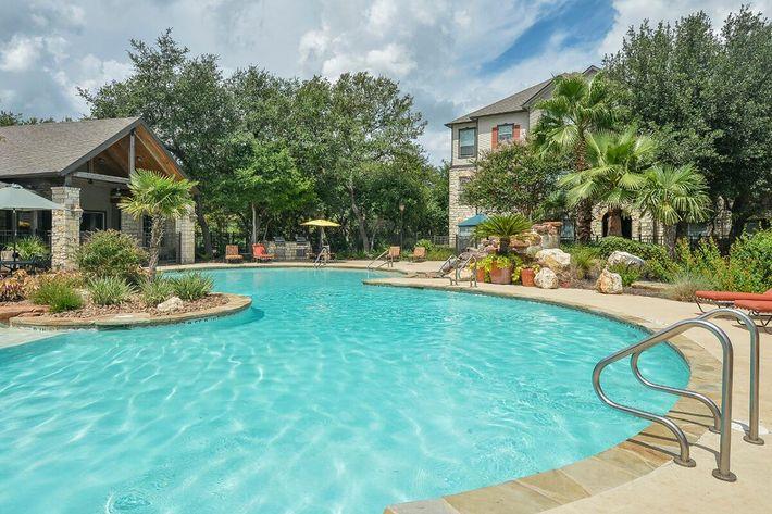Boulder Creek Apartments in San Antonio, TX - Swimming Pool 05.jpg