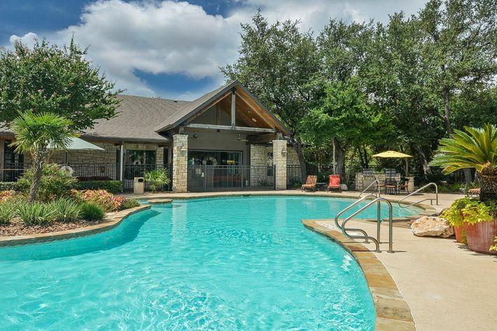 Boulder Creek Apartments in San Antonio, TX - Swimming Pool 07.jpg