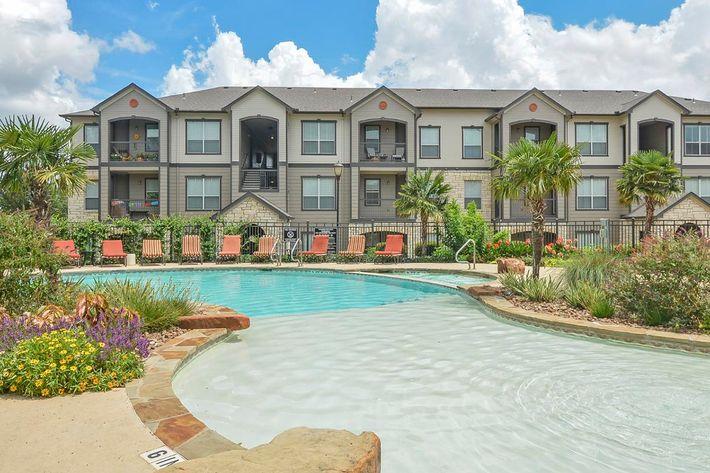 Boulder Creek Apartments in San Antonio, TX - Swimming Pool 10.jpg
