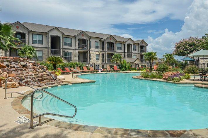 Boulder Creek Apartments in San Antonio, TX - Swimming Pool 11.jpg