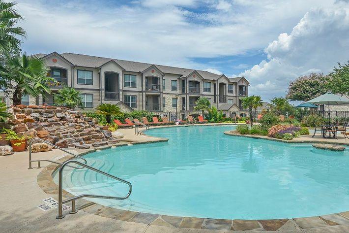 Boulder Creek Apartments in San Antonio, TX - Swimming Pool 12.jpg