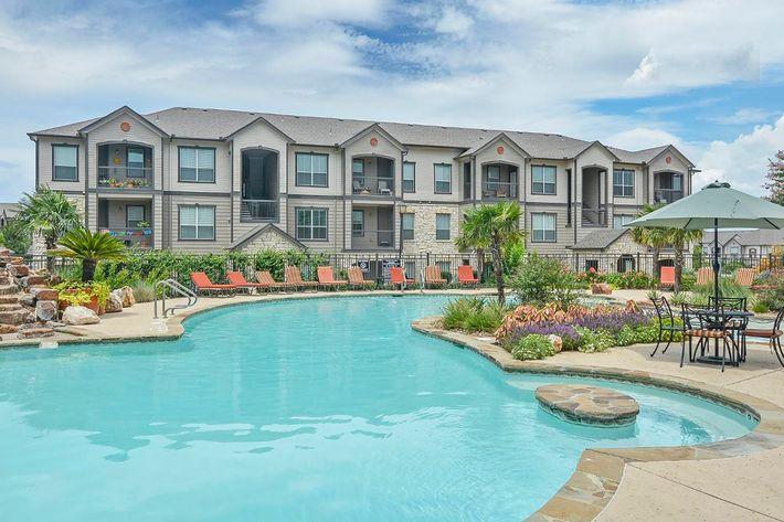 Boulder Creek Apartments in San Antonio, TX - Swimming Pool 13.jpg