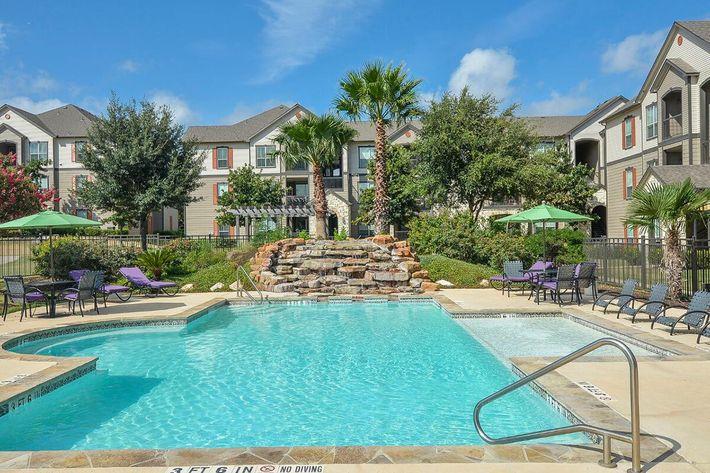 Boulder Creek Apartments in San Antonio, TX - Swimming Pool 16.jpg