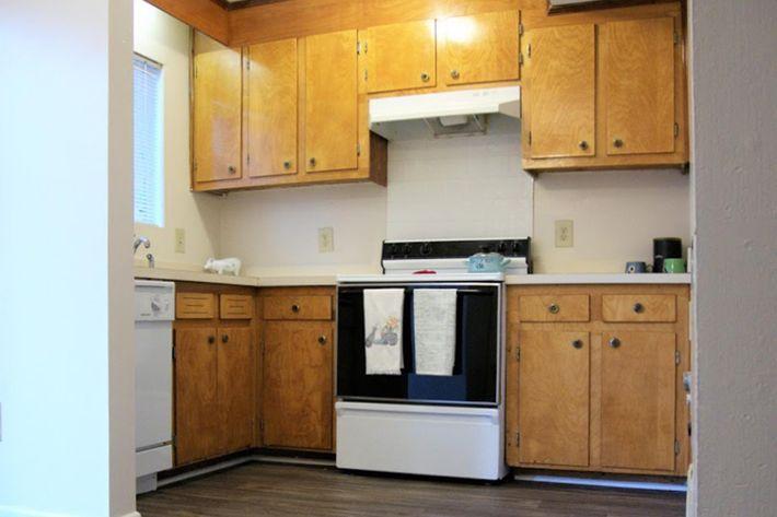 2 BR Townhome Kitchen (2) - Copy.jpg