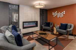 Coral Point Apts - Office - Clubhouse - Online-7.jpg