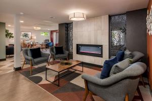 Coral Point Apts - Office - Clubhouse - Online-8.jpg