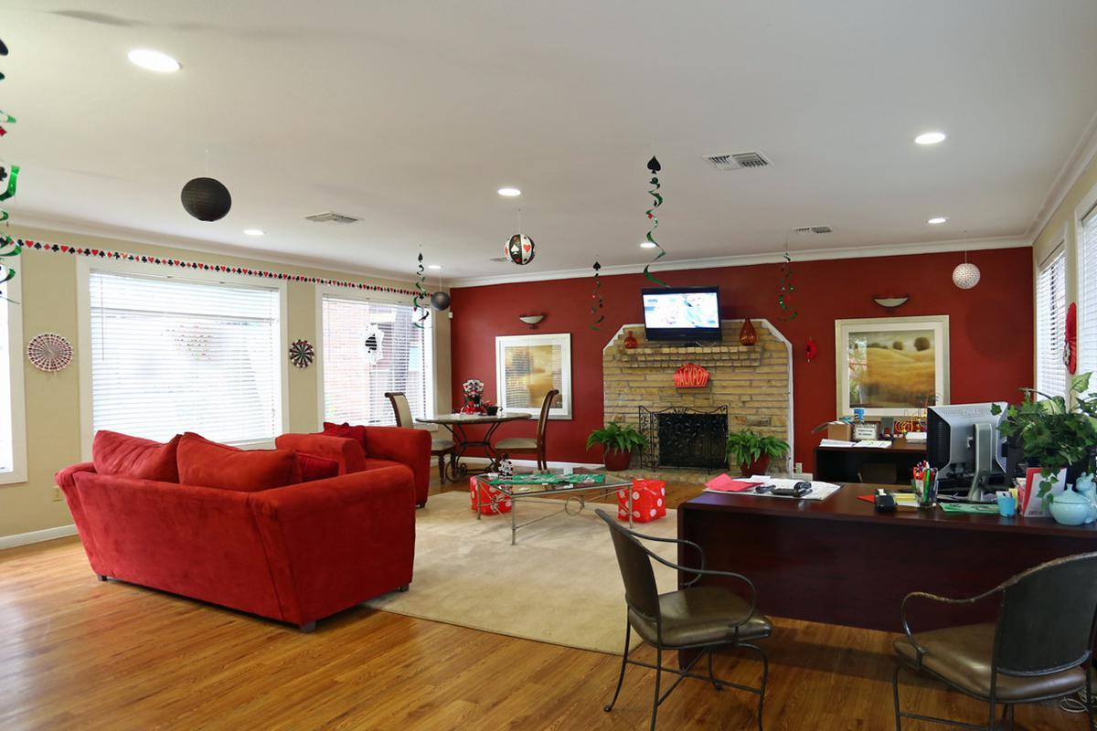red-stone-vista-apartments-houston-tx-leasing-office 11.jpg