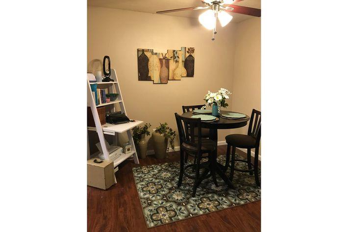 2x1 Diningroom.jpg
