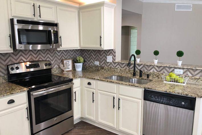 01As.kitchen.jpg