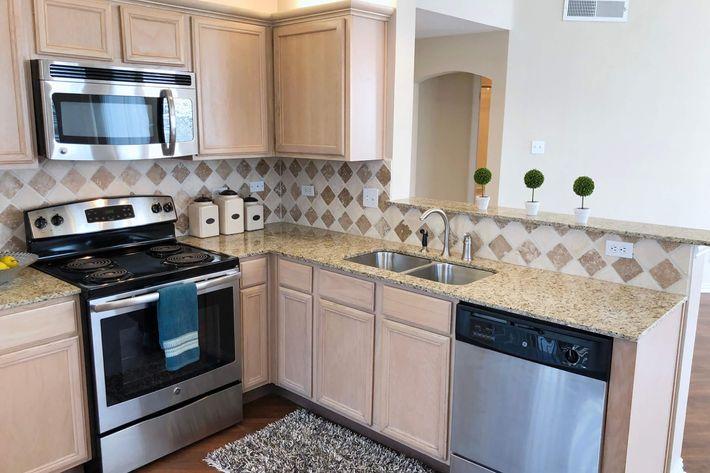 16B.kitchen.jpg