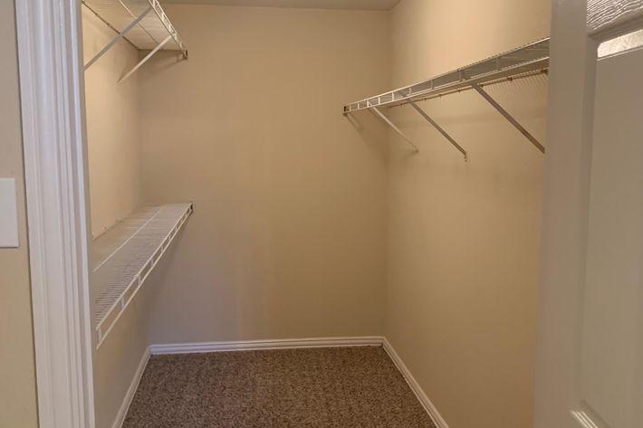 17F.closet.jpg