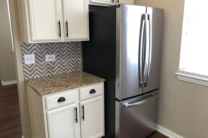 18As.fridge.jpg