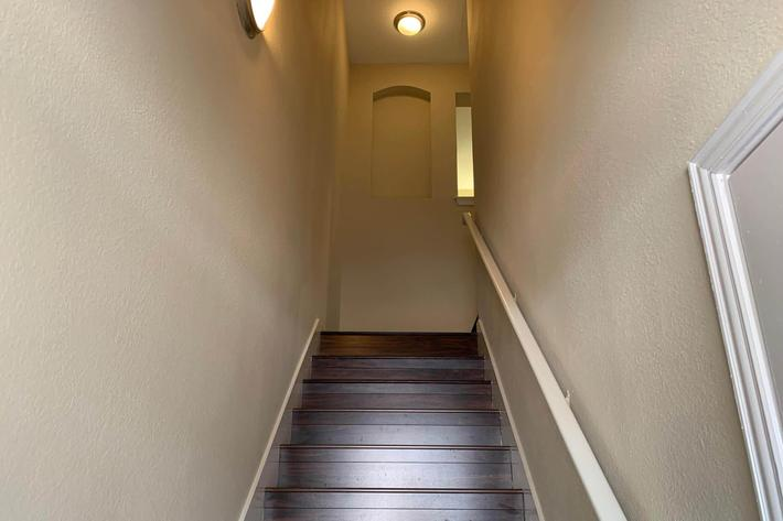 21D.stairs.JPG