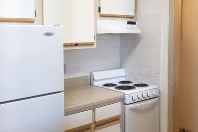 1BR Kitchen.JPG