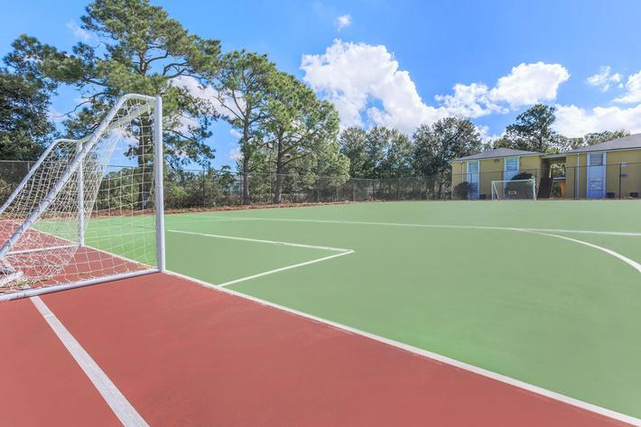 Enjoy life here at Riverview Apartments in Jacksonville, Florida