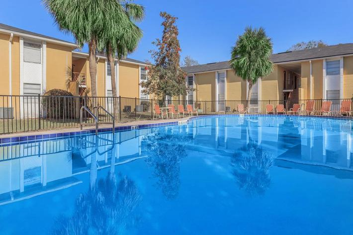 Make some waves at Riverview Apartments in Jacksonville, Florida
