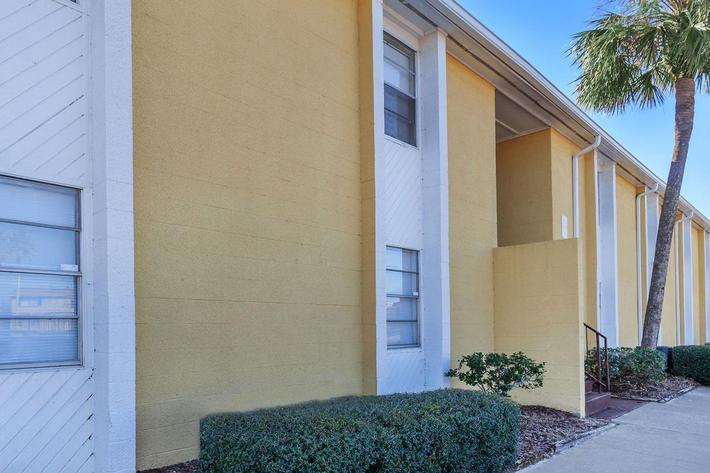 Welcome home here at Riverview Apartments in Jacksonville, Florida